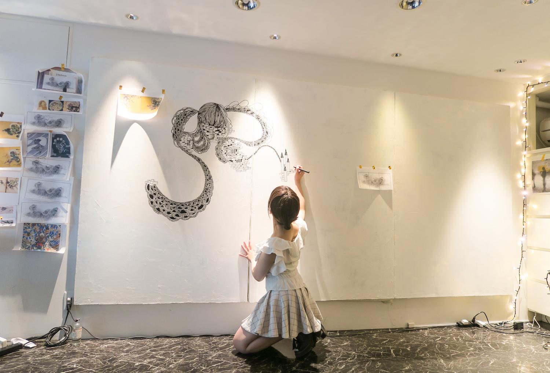 石井七歩(いしいなほ)による2017年の作業風景